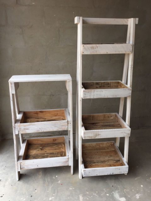 Short shelving unit