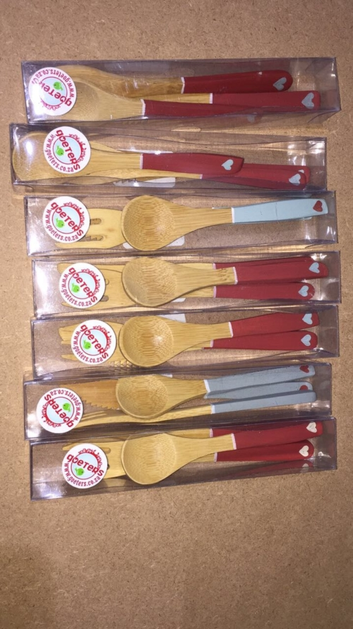Cutlery: set of small spoon, knife, fork